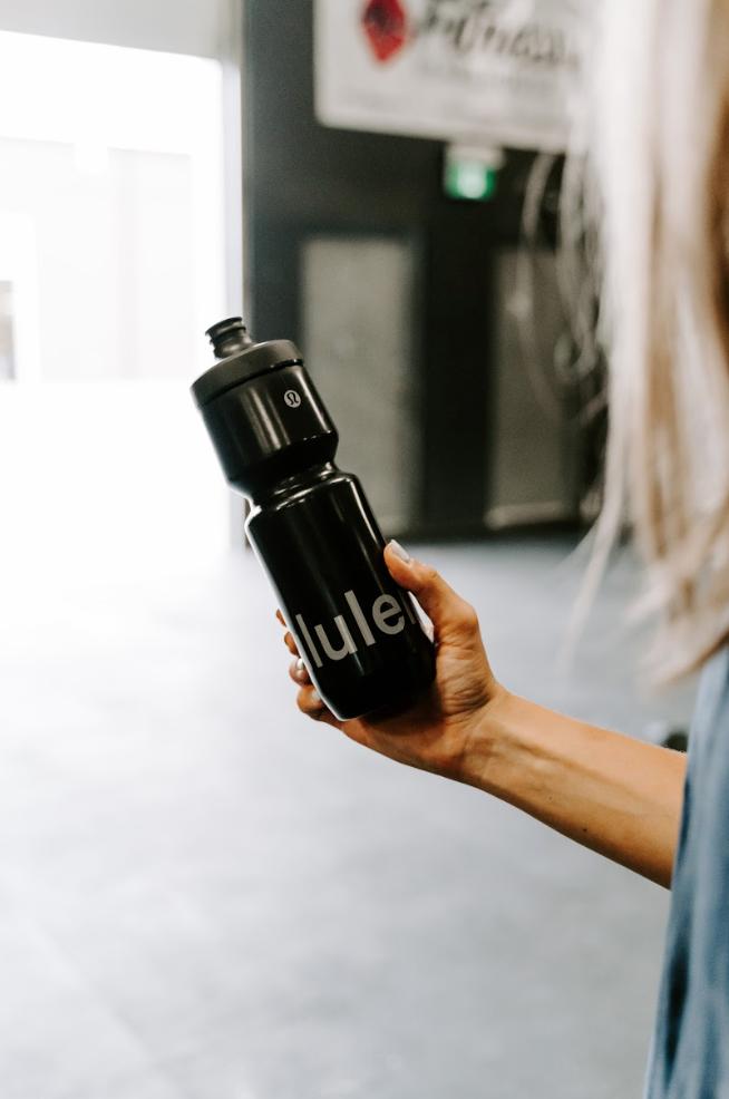 lululemon-water-bottle